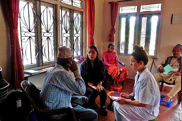 Unterstütztes Projekt Acupuncture Relief Project Nepal Medizinische Erstversorgung Corin Koster Anamnese