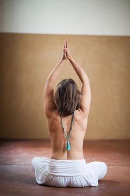 Sandra Kamala Geburek: http://www.yogische-heilarbeit.de/