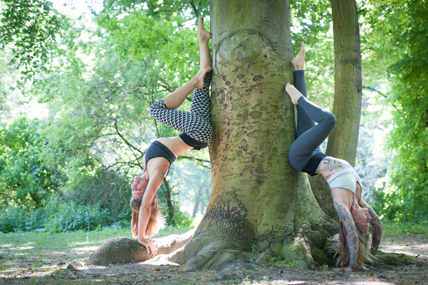 Lucie Beyer http://www.yogamitlucie.de, Jelena https://www.jelenalieberberg.com/ Cloths: https://www.flyinglovebirds.de/