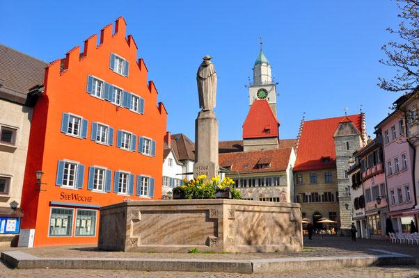 Hofstatt mit Münster und Rathaus
