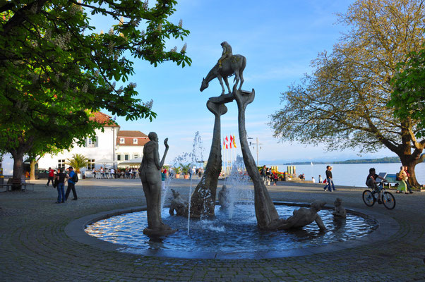 Lenkbrunnen an der Seepromenade