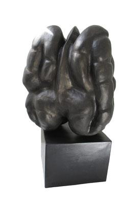 1  Metamorphose  2007  40x30x65cm   div. Material  Bronze möglich