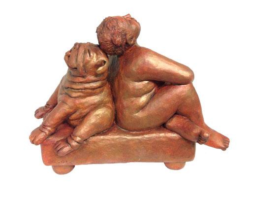 17  Frau mit Bulldogge  2012  49x22x38cm   Gips/Acryl patiniert   Verkauf nur in Bronze
