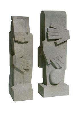 4  Figur 1 + 2  2009  18x13x56cm/ 18x12x53cm   Sandstein