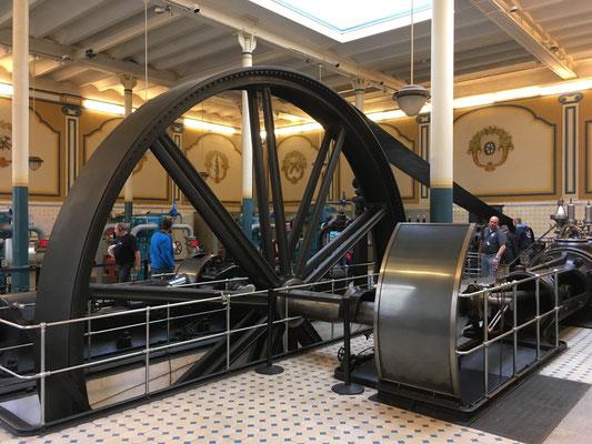 Erste Kältemaschine von 1900 mit 225kW