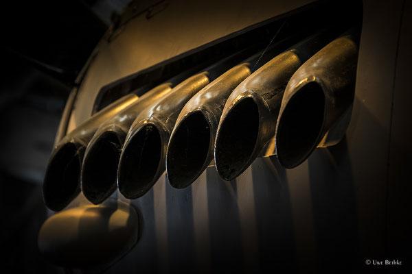 Rolls-Royce Merlin 113/114, flüssigkeitsgekühlter 12-Zylinder-V-Motor, Leistung 1.690 PS, Hubraum 27 Liter. Einsatz u. a. bei der de Havilland D.H. 98 Mosquito.