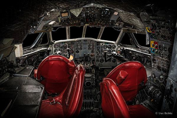 De Havilland D. H. 104 Comet 4