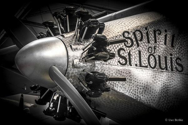 """Wright J-5C Whirlwind (1926), luftgekühlter 9-Zylinder-Sternmotor, Leistung 223 PS, Hubraum 12,9 Liter. Einsatz bei der Ryan NYP """"Spirit of St. Louis"""", mit der Charles Lindbergh den Atlantik überquerte."""