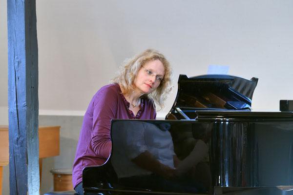 Unsere Chorleiterin Ingrid Fraunholz