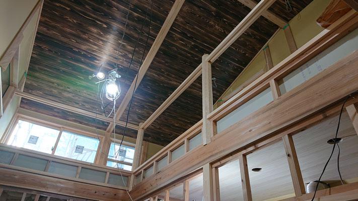 緑の木まち拡大事業:新築物件_木工事:吹き抜け周囲手摺