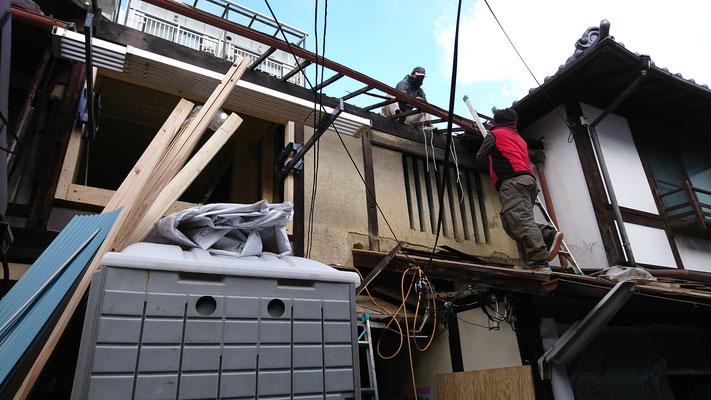 京町家改装工事_屋根垂木及び野地板修繕中