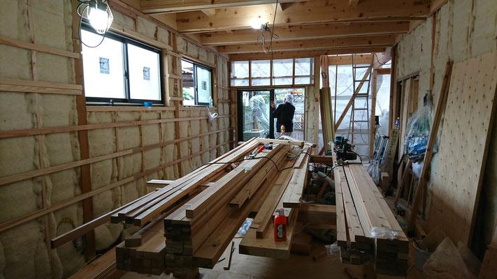木もまちづくり事業_1F府産材による構造補強及び羊毛断熱完了