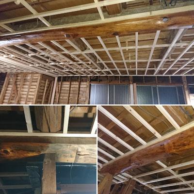 G様邸改装工事_天井垂木及び既存丸太磨き完了