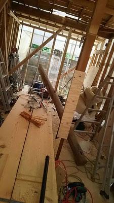 木もまちづくり事業_府産材桧の梁材