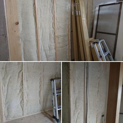 祇園ゲストハウス改装工事_防音及び省エネ目的で羊毛断熱材施工中