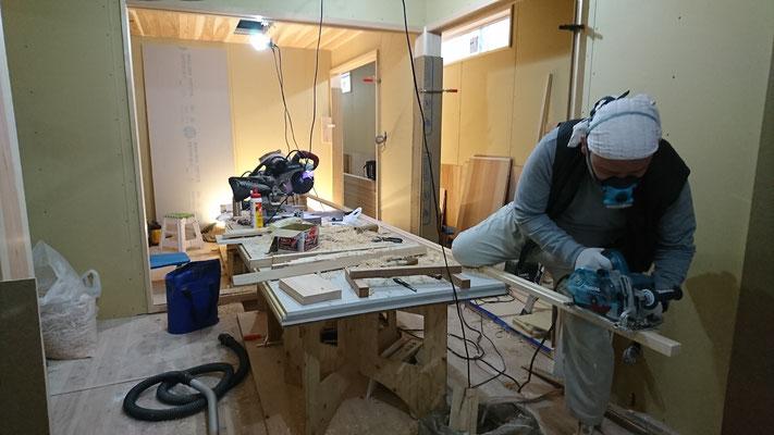 公募型木のまちづくり事業_新築:1F客室造作中