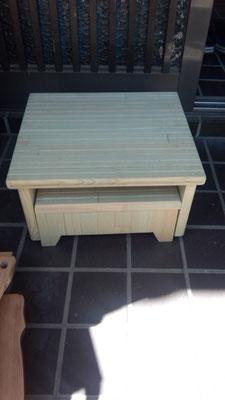 無垢材杉でオリジナル足台作製