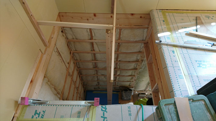公募型木のまちづくり事業_改装内装階段造作中