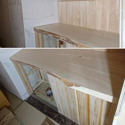 G様邸改装工事_トイレ手洗:北山杉腰板と一枚板の桧カウンター