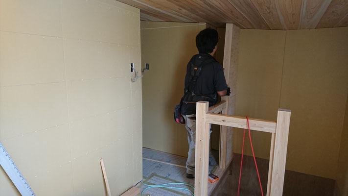 公募型木のまちづくり事業_改装内装廻り造作中