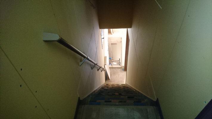 新築階段室