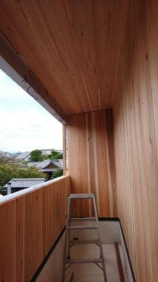 木もまちづくり事業_府産材外部杉並板施工中