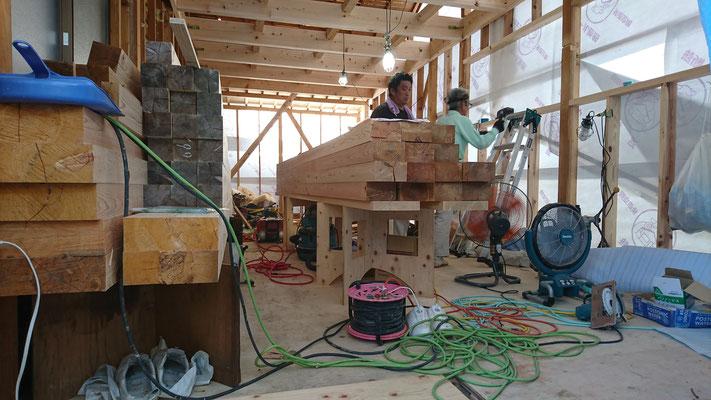 木もまちづくり事業_府産材桧の梁材2F梁材搬入