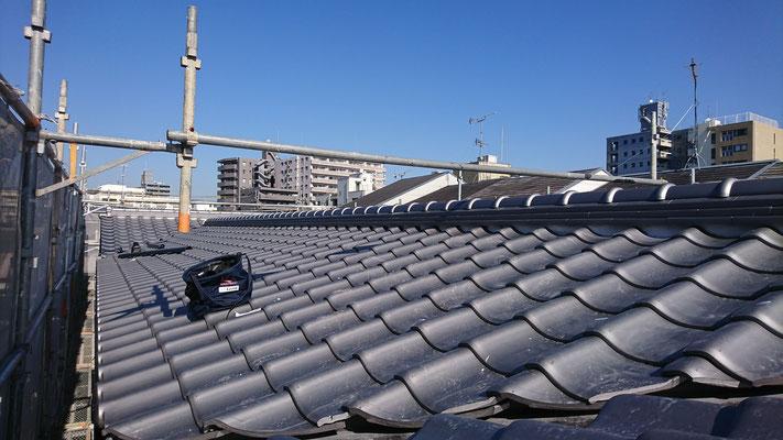 公募型木のまちづくり事業_新築:屋根和瓦完了