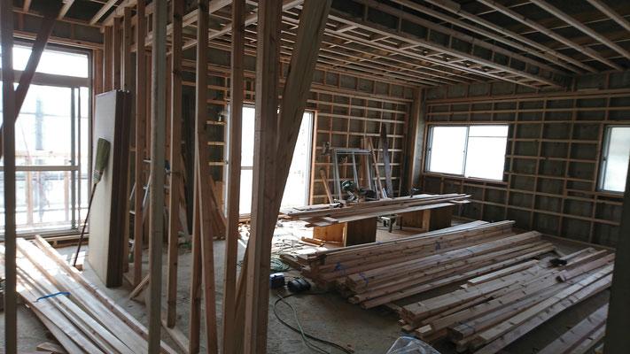 公募型木のまちづくり推進事業_内部造作:間柱施工中