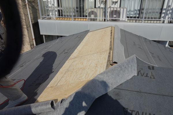 京町家改装工事_野地板及びルーフィング施工中