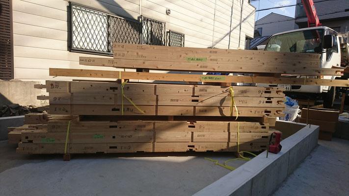 木のまちづくり事業_新築府産材土台搬入完了