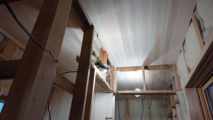 緑の木まち拡大事業:新築物件_木工事:桧上小天壁施工後