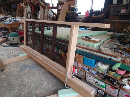 京町家改装工事_既存階段手摺を桧で造作