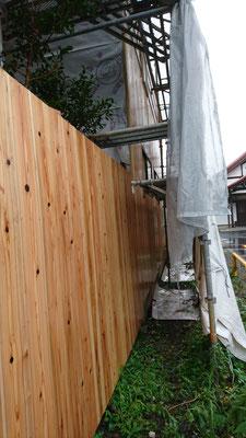木もまちづくり事業_府産材外壁杉並板施工中