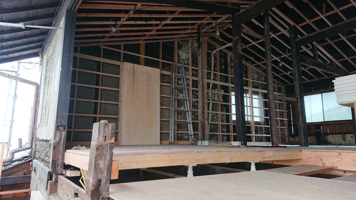 R元年公募型事業応募予定:改装物件_木工事:柱・間柱・胴縁・天井垂木施工中