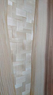 杉幅広板と府産材網代で造作した腰壁