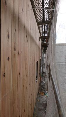 公募型木のまちづくり推進事業_西面杉板施工完了