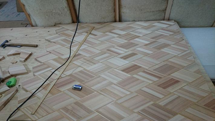 杉柾板のアジロ風デザインwall完成まじか_府産材|羊毛断熱材|リノベーション|京都リフォーム工事|緑の工務店|タクミ建設株式会社
