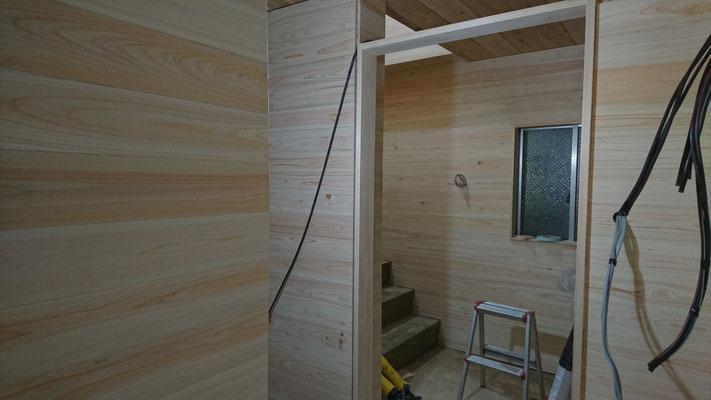 公募型木のまちづくり推進事業_府産材桧並板で仕上げた内装