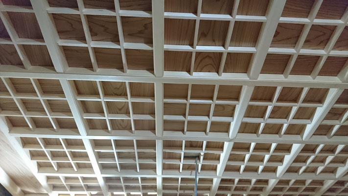 「公募型木のまちづくり推進事業」格天井造作完了
