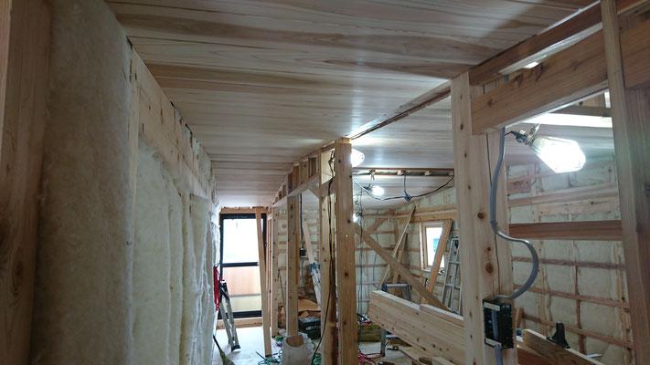 木もまちづくり事業_改装内部天井目透し施工完了
