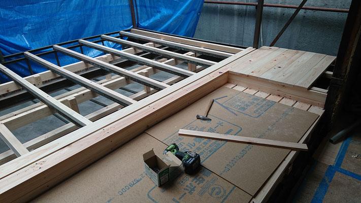 R元年公募型事業応募予定:改装物件_木工事:テラス床桧板