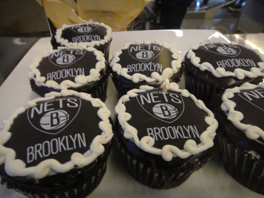 ブルックリン・ネッツのテーマカラー、黒のカップケーキ