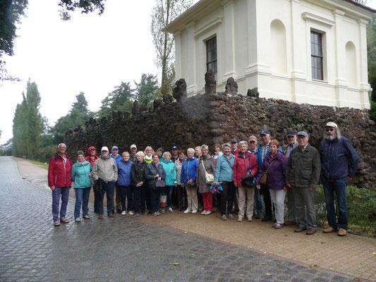 Fast 20 Mitglieder unserer Radfahrergruppe und etliche Mitfahrer aus Emden, Riepe und Schirum haben  fünf Tage das Bundesland Brandenburg und unsere Hauptstadt Berlin besucht.