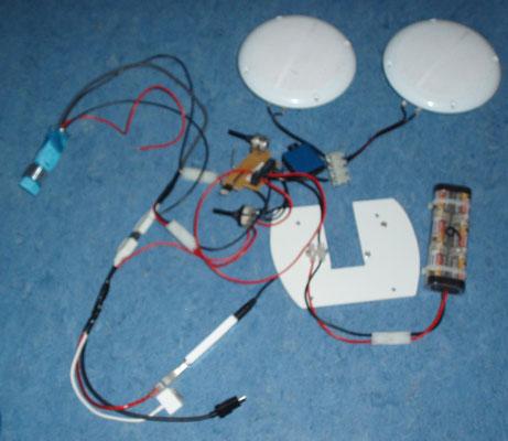 """die """"Innereien"""" des BKR V3.0 - für eine einfache Montage alle Kabel mit Steckern verbunden"""