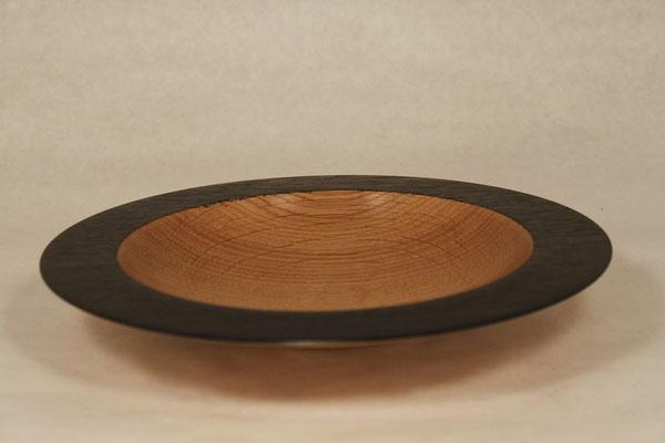 Holzart: Eiche Durchmesser: 27cm Höhe: 3,5cm Oberfläche: Shellwax Cream