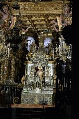 Silberne Statue vom Heiligen Jakobus in der Kathedrale