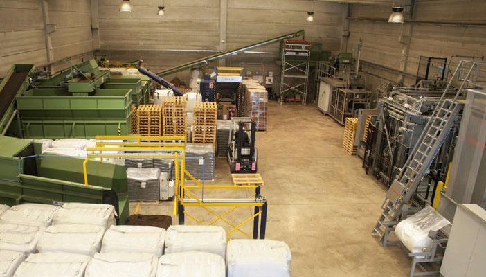 Nuestra línea de producción cuenta con máquinas de alta tecnología
