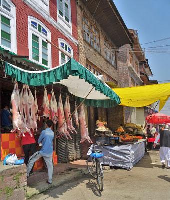 Der Freitag Markt mit dem Metzger...