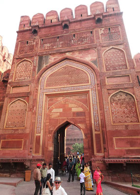 Der Eingang des Agra Fort...